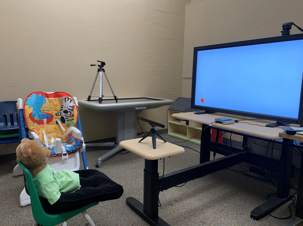 eye-tracking-room-child